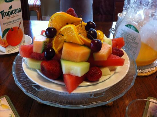 Tranquil Times B&B: Breakfast fruit