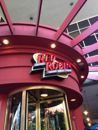Red Robin Burger and Spirits - Downtown