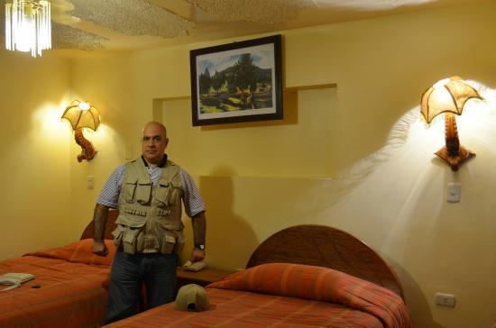 Koyllur Hostal: Habitación muy cálida y cómoda con TV cable