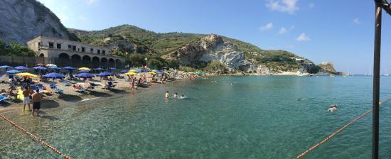 Spiaggia Di Frontone