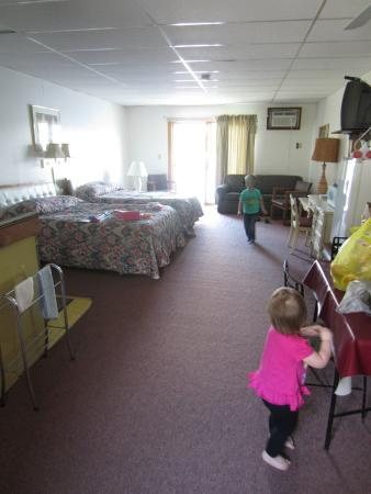 Edgewater Resort: Efficiency #14 - bigger than others