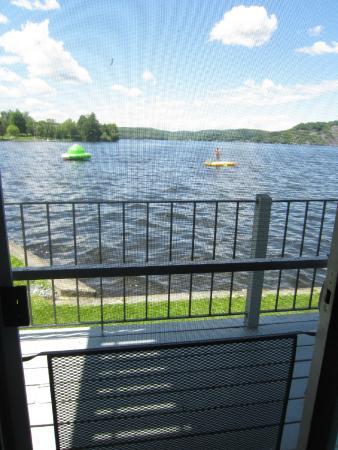 Edgewater Resort: View of lake from efficiency rooms