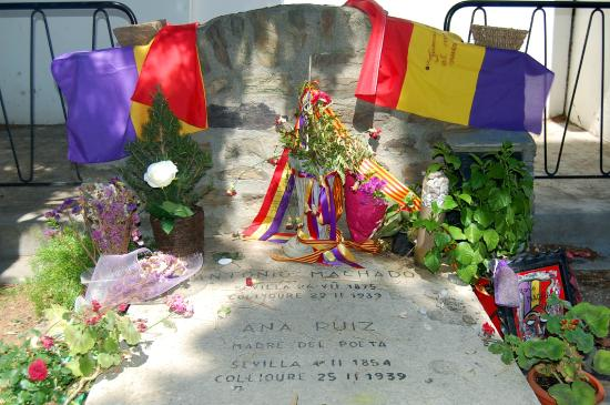 Tumba de Antonio Machado en el cementerio de Collioure