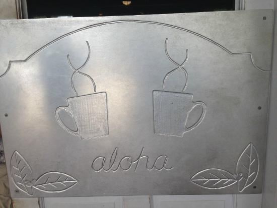 Kalaheo Cafe & Coffee Company: Welcoming Door into the Cafe