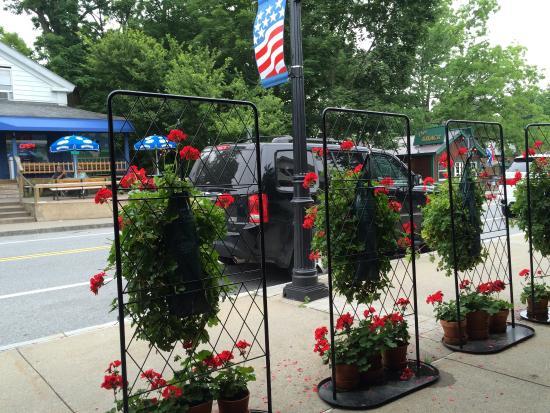 Huddle Restaurant Bolton Landing New York