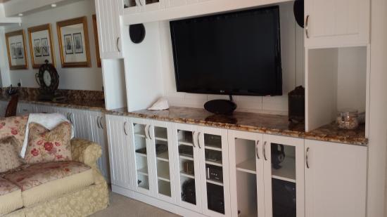 Chateau Resort Luxury Condos: living area