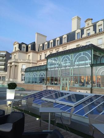 Hotel facade photo de le grand hotel des thermes marins for Hotels saint malo