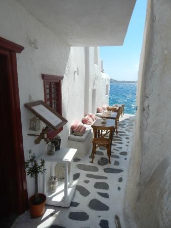 Città di Mykonos, Grecia: Viendo al Egeo desde Matoyianni