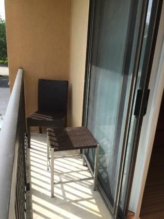 Courtyard by Marriott Lafayette Airport: Balcony - not on all room and not much of a view.