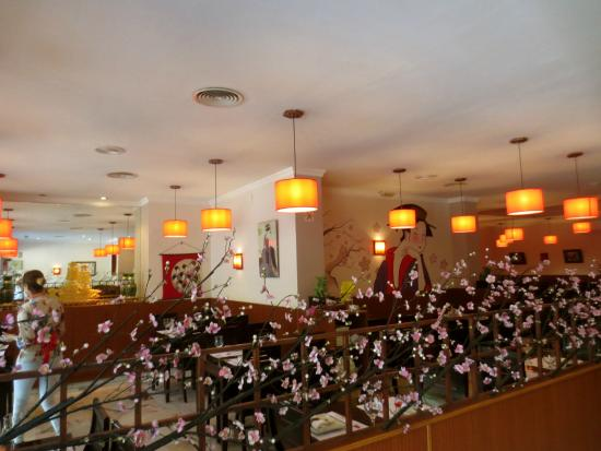 front entrance photo de sakura japanese restaurant s ville tripadvisor. Black Bedroom Furniture Sets. Home Design Ideas