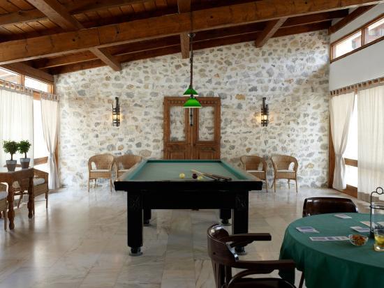 Atrium Hotel: The Billiard Room