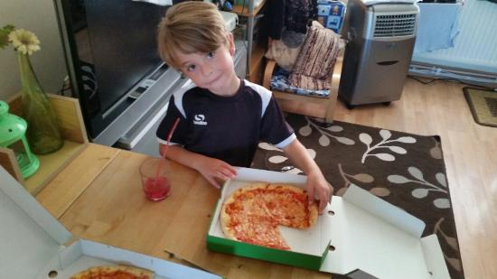 Eatalian Woodford: My kid loves your pizza !