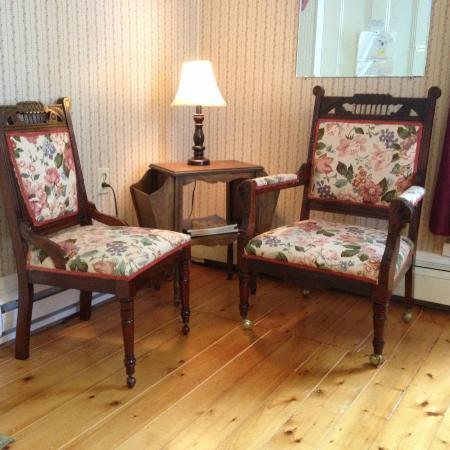 Pelham House Bed & Breakfast: sitting area of Room 2