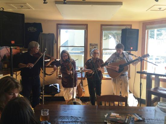 El Granada, CA: Band Playing on Father's Day 2015