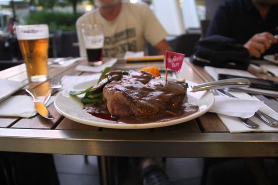Club Sapphire Merimbula: Perfect Steak! very tasty indeed