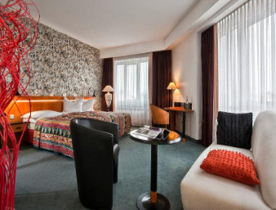 Tryp by Wyndham Leipzig North : Guest Room