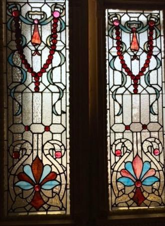 Southern Accents Architectural Antiques: Stained glass windows