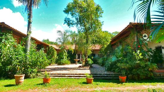 Los jardines de aregua updated 2017 hotel reviews for Jardines verticales paraguay