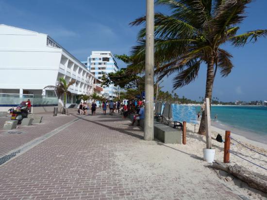 Portobelo Boulevard: peatonal sobre donde esta el hotel
