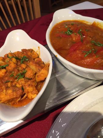 New Fort Raj: L: cauliflower bhaji R: lamb rojan josh