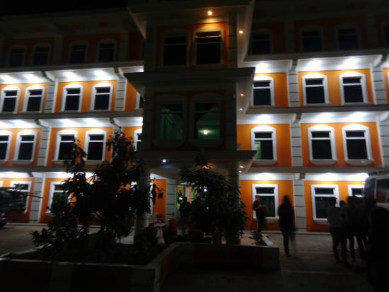 Hotel Y Restaurante M