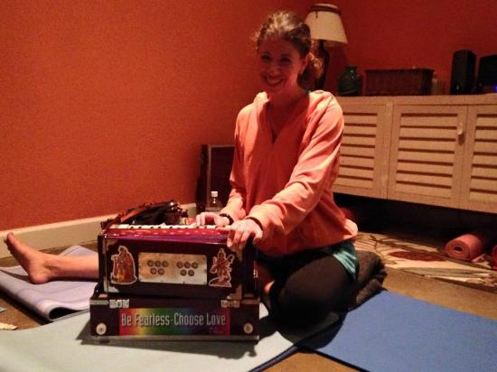 Anahata Yoga Studio: Missy Balsam - Special Guest - Kirtan