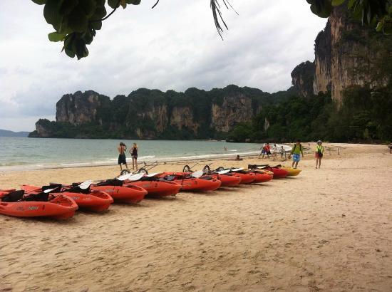 Railay Village Resort: หาดหน้าที่พัก