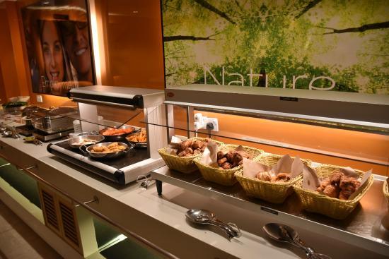 Breakfast Buffet Items Picture Of Ibis Singapore On Bencoolen