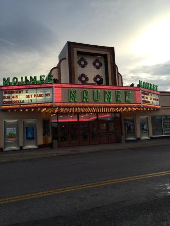 ‪Maumee Indoor Theatre‬