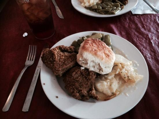 New Haven, KY: Fried chicken plate lunch - almost sold out!!