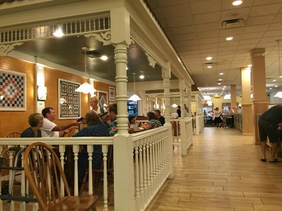 Der Dutchman Restaurant Seating Areas