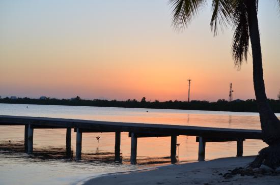 Sunset Cove : The best sunset the lil cayman island can offer .. Catch here every evening.