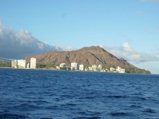 Star of Honolulu - Dinner and Whale Watch Cruises: ダイヤモンドヘッドに最接近