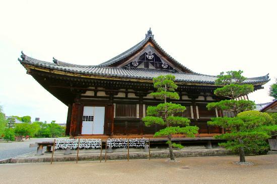 三十三間堂 - Picture of Sanjusangendo Temple, Kyoto - TripAdvisor