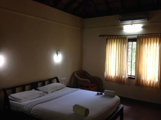 Crescent Residency : Bedroom