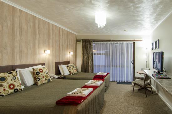 Amber Court Motel: Twin Standard Studio