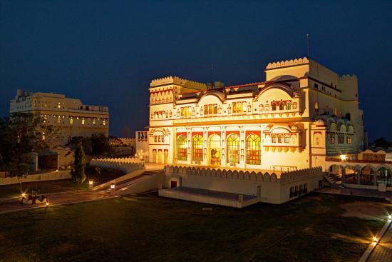Surajgarh, อินเดีย: Exterior