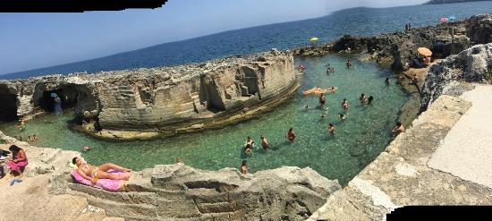 Piscine naturali vista spettacolare picture of piscina - Piscina naturale puglia ...