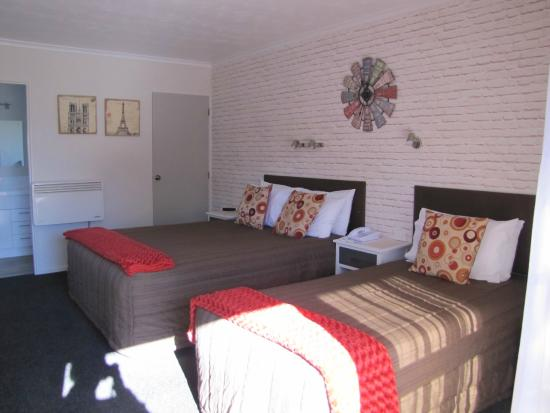 Amber Court Motel: our brand new twin standard studio