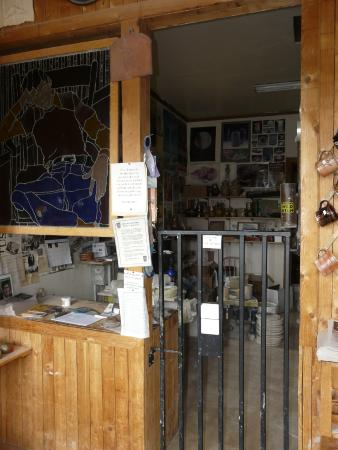 Horseshoe Mountain Pottery: Work area