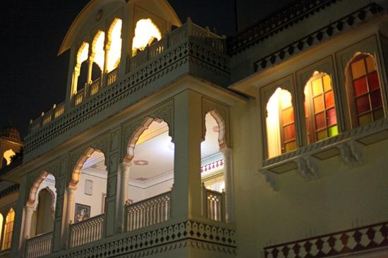 Krishna Palace: Вид с улицы