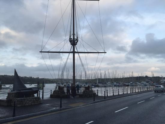 Actons Hotel Kinsale: Near the harbour