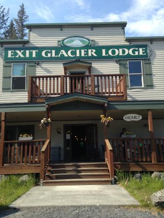 Entree Exit Glacier Lodge
