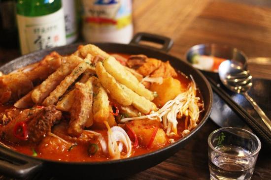SHINSANG  Dining & Bar