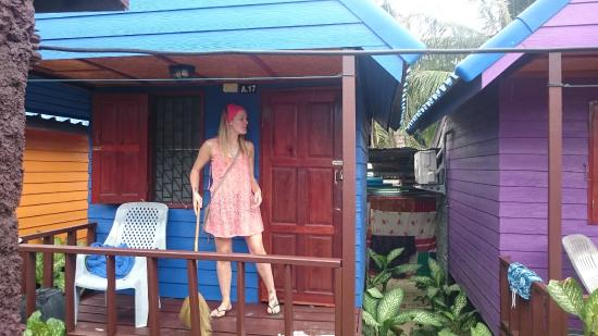 New Hut Bungalows: Outside the hut