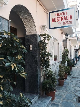 Hotel Australia