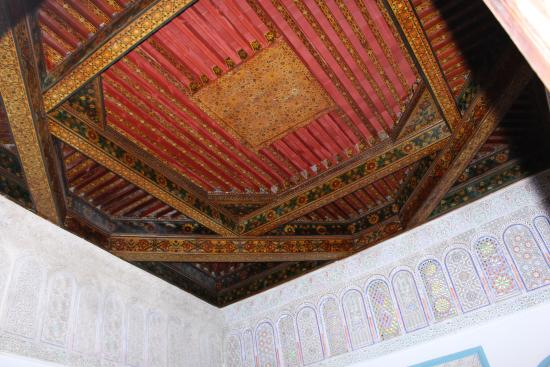 Dar Ines Moulay Idriss : Plafond en cèdre