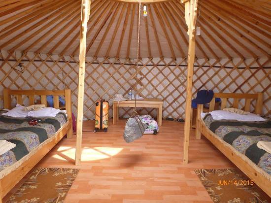 Gobi Erdene Ger Camp: interior of a ger