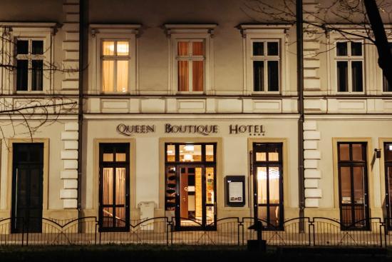 Queen Boutique Hotel: Fasada hotelu