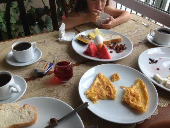 Gul Sultan Hotel: Завтрак